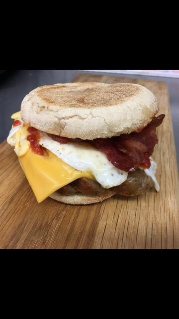 English Breakfast Toasted Muffin (B)
